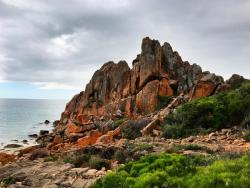 images/geology-gallery/1-Castle-Rock-geology-meelup-park.jpg